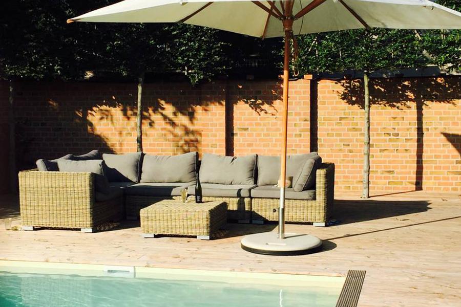 haus auf dem land ferienhaus brandenburg pool terrasse